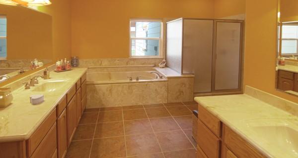 134 Vaca Place master bath