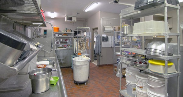 2653 Main Ave Durango CO dishwashing area